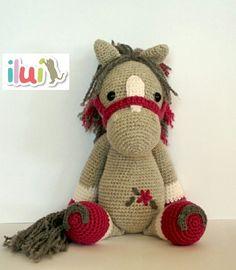 Crochet Pony, Crochet Horse, Cute Crochet, Crochet Animals, Crochet Dolls, Crochet Yarn, Amigurumi Patterns, Crochet Patterns, Alpaca Stuffed Animal