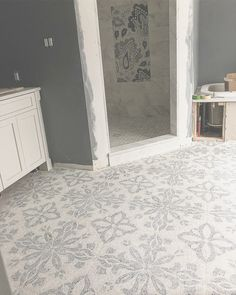 Kitchen Backsplash Marble Mosaic Tile - 615 Best Diy Home Decor. Shower Floor Tile, Bathroom Floor Tiles, Wall Tile, Marble Mosaic, Mosaic Tiles, Marble Floor, Arabesque Tile Backsplash, Concrete Floors, Ceramic Flooring