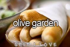 those bread sticks & salad. mhhhhhmm