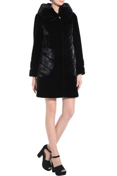 CARLYNDA BLACK MINK FAUX FUR COAT WITH COUTURE PATTERN .