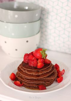 Cacao Pancake with strawberry and maple syrup #glutenfree #sugarfree