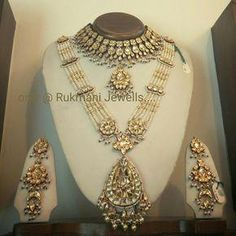 Fulfill a Wedding Tradition with Estate Bridal Jewelry Pearl Necklace Designs, Gold Earrings Designs, Gold Jewellery Design, Gold Jewelry, Daisy Jewellery, Gold Necklace, Pearl Necklaces, Antique Jewellery, Statement Jewelry