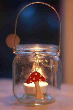 Kabouterlichtjes knutselen in de herfst Autumn, Fall, Snow Globes, Crafts, Home Decor, School, Gift, Manualidades, Decoration Home