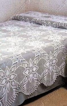 Doily Centerpiece Table Linen Home Crochet Tablecloth Pattern, Crochet Bedspread Pattern, Afghan Crochet Patterns, Crochet Doilies, Crochet Home, Crochet Yarn, Crochet Stitches, Designer Bed Sheets, Filet Crochet