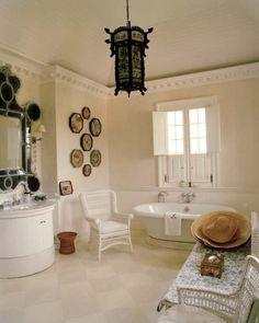 oscar-de-la-renta-bathroom via belle vivir blog