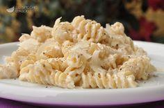 Foto della ricetta: Pasta ricotta e noci Ricotta Pasta, Food Humor, Funny Food, Macaroni And Cheese, Delish, Cooking, Ethnic Recipes, Parmigiano Reggiano, Latte