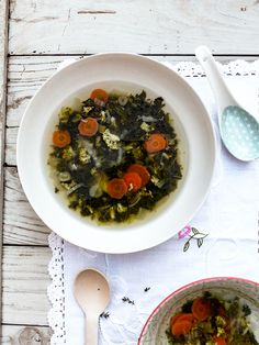 Commençons l'année par un bouillon détox aux légumes verts. Véritable bienfait pour notre organisme, ce bouillon saura rétablir l'équilibre de notre foie.