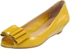 Butter yellow wedges <3  So hard to find a nice yellow shoes without it looking fluorescent/radioactive