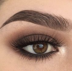 For Brown Eyes - A great eye make-up. This makes the eyes expressive and ensures the perfect look. -Makeup For Brown Eyes - A great eye make-up. This makes the eyes expressive and ensures the perfect look. Eye Makeup Tips, Makeup Goals, Skin Makeup, Makeup Inspo, Makeup Inspiration, Beauty Makeup, Makeup Ideas, Makeup Hacks, Makeup Looks For Brown Eyes