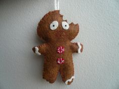 Terrified Gingerbread Man Christmas Ornament - too funny!