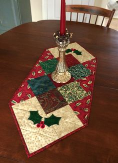 quilted holly christmas table runner holiday table by seaquilt