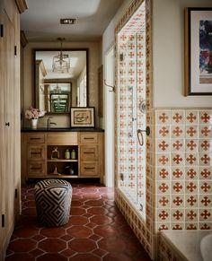 Spanish Bathroom, Spanish Style Bathrooms, Spanish Style Interiors, Fancy Houses, Bathroom Styling, Bathroom Ideas, Bathroom Inspiration, Bathroom Trends, Bathroom Designs