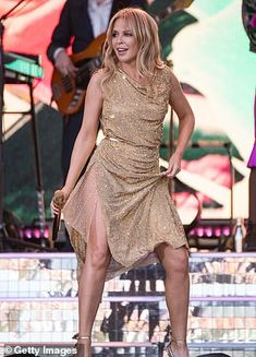 Glastonbury Festival Kylie Minogue rocks a gold dress as she makes FIVE outfit changes Sexy Older Women, Sexy Women, Kylie Minouge, Golden Dress, Victoria, Dress Sewing Patterns, Female Singers, Celebs, Celebrities