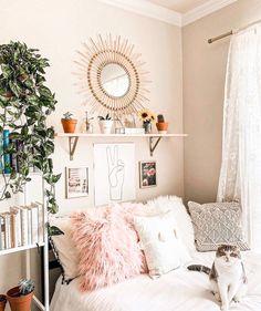 Bohemian Bedroom Decor Bohemian Style Ideas For Bedroom Decor « Home Decor Cute Room Ideas, Cute Room Decor, Room Decor Bedroom, Bedroom Ideas, Bedroom Inspo, Bedroom Designs, Deco Studio, Aesthetic Room Decor, Aesthetic Bedrooms