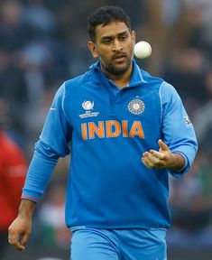 Before the 23rd over of the Champions Trophy semi-final vs Sri Lanka, Mahendra Singh Dhoni handed his wicket keeping gloves and pads to Dinesh Karthik. He warmed up during Jadeja's 6 balls and went on to bowl his medium-pace in the 24th over of the match.
