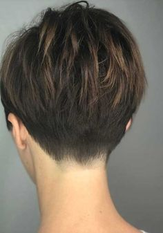 Layered-Hair-Back-View Best Short Haircuts for frisuren frauen frisuren männer hair hair styles hair women Short Pixie Haircuts, Cute Hairstyles For Short Hair, Curly Hair Styles, Short Hair For Women, Haircut Short, Cut Hairstyles, Layered Haircuts, Undercut Pixie Haircut, Pixie Haircut For Thick Hair