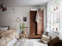 Fresh and cozy home with a vintage touch - My best home design list Home Design, Interior Design, Design Blog, Contemporary Interior, Bedroom Vintage, Vintage Home Decor, Bedroom Rustic, Antique Bedroom Decor, Cheap Home Decor