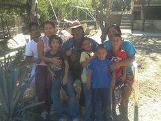 Izq:Luis Ricardo,esposa, niños , Pedro...