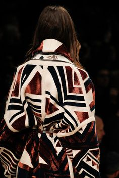See all the Details photos from Burberry Prorsum Autumn/Winter 2014 Ready-To-Wear now on British Vogue Fashion Week, Runway Fashion, High Fashion, Fashion Show, Fashion Trends, Fashion Basics, Review Fashion, Female Fashion, Burberry Prorsum