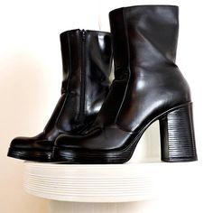 d142b3f6488 90s chunky boots   size US 7.5 EU 41   vegan black platform ankle boots    1990s grunge boho black chunky boots   SunnyBohoVintage