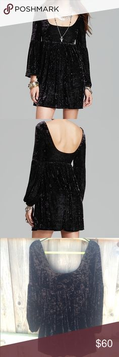 Free People Black Velvet Oh So Easy Babydoll Dress Black velvet, long sleeved baby doll dress made by Free People. The style name is Oh So Easy Babydoll. Only worn maybe once and there's no wear whatsoever. It's super cute but it just didn't work for me. Free People Dresses Mini