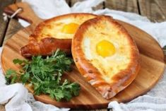 9 Delicious Recipes With Bread You Would Love To Devour - Amazing Bread Recipes Georgian Bread, Georgian Cuisine, Georgian Food, Eggplant Dishes, Good Food, Yummy Food, Delicious Recipes, Cold Appetizers, Fast Easy Meals