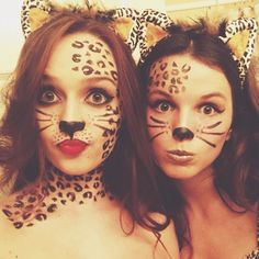 61 DIY Halloween Costume Ideas Tailored For Teens: All Hallows& Eve is fast approaching, so we& come up with the perfect last-minute guide for a very particular group of expert procrastinators ? Diy Teen Halloween Costumes, Cat Costumes, Halloween Make Up, Halloween Couples, Leopard Halloween, Halloween Ideas, Cheetah Halloween Costume, Tiger Costume, Teen Costumes