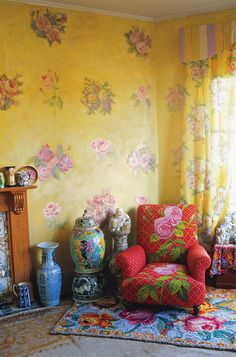 The colourful world of Kaffee Fasset...that wallpaper is to die for...
