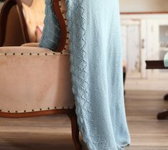 This simple Botanica Knitted Blanket pattern is fun to knit and has an elegant lace border. Knitting Blogs, Knitting Patterns, Blanket Patterns, Knitting Ideas, Cozy Blankets, Knitted Blankets, My Magazine, Lace Border, Free Pattern