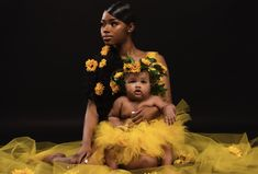 """""""Happy Mother's Day 💛🥰"""" Girl Maternity Pictures, Maternity Dresses For Photoshoot, Photoshoot Ideas, Mommy Daughter Photography, Mother Daughter Photography, Children Photography, Mommy Daughter Pictures, Mother Daughter Outfits, Mother Daughters"""