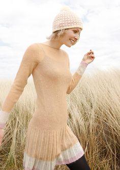 Kleid mit Faltenrock, stricken mit Rebecca - mein Strickmagazin und ggh-Garn SURI ALPAKA (100% Suri Alpaka). Garnpaket zu Modell 4 aus Rebecca Nr. 51
