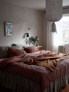 Blogg — Emelie Sundberg Lime Paint, Trends, Home Interior, Comforters, Inspiration, Blanket, Bedroom, Table, Design