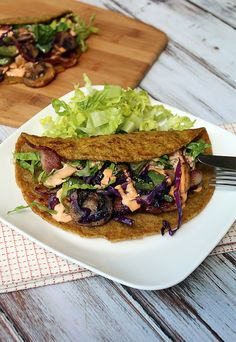 Low Carb Flax Tortillas | Shared via www.ruled.me