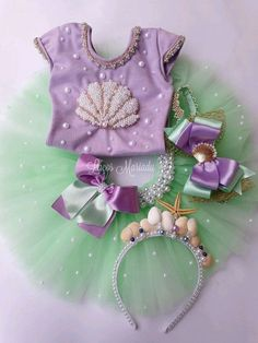 We selected more than 50 photos to be inspired for party decoration in the theme Mermaid or Little Mermaid. Mermaid Theme Birthday, Little Mermaid Birthday, Little Mermaid Parties, The Little Mermaid, Girl Birthday, Birthday Parties, Mermaid Tutu, Baby Mermaid, Mermaid Baby Showers