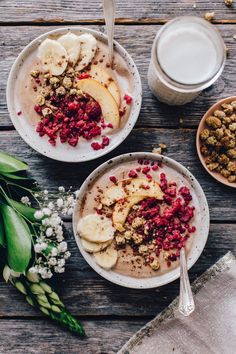 The Glow Bowl: Raw Buckwheat Porridge w/ Nectarines & Raw Cacao + Cinnamon Cashew Milk Healthy Breakfast Recipes, Raw Food Recipes, Brunch Recipes, Healthy Snacks, Healthy Recipes, Raw Vegan Breakfast, Cacao Recipes, Freezer Recipes, Freezer Cooking