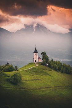 Jamnik, Slovenia Very Beautiful Images, Green Environment, Travel Around Europe, Slovenia, Croatia, Scenery, Tours, Japan, Mountains