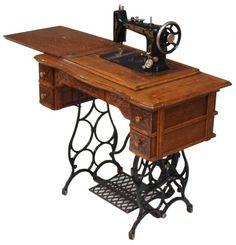 351: ANTIQUE BRUNSWICK OAK TREADLE SEWING MACHINE : Lot 351