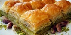 Baklava is a delicious food from Morocco. Learn to cook Baklava and enjoy traditional food recipes from Morocco. Lebanese Recipes, Turkish Recipes, Greek Recipes, Greek Baklava, Turkish Baklava, Pistachio Baklava, Pistachio Recipes, Macedonian Food, Greek Desserts