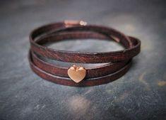 Braunes Wickelarmband aus Leder mit kleinem Herz in Rosegold, Geschenk für Valentinstag / brown leather bracelet with a small heart in rose-gold made by Irmy via DaWanda.com