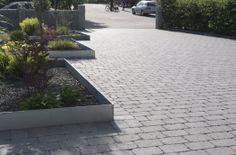 Rustikt for bilen Sidewalk, House, Taurus, Home, Side Walkway, Walkway, Homes, Walkways, Houses