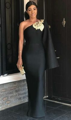 Dinner Gowns Nigerian Plus Size ` Dinner Gowns NigerianThanks hedwigavslemke for this post.dinner gowns nigerian plus size African Wear Dresses, Latest African Fashion Dresses, African Attire, Dinner Gowns, Evening Dresses, Nigerian Wedding Dresses Traditional, Elegant Dresses, Beautiful Dresses, Lace Dress Styles