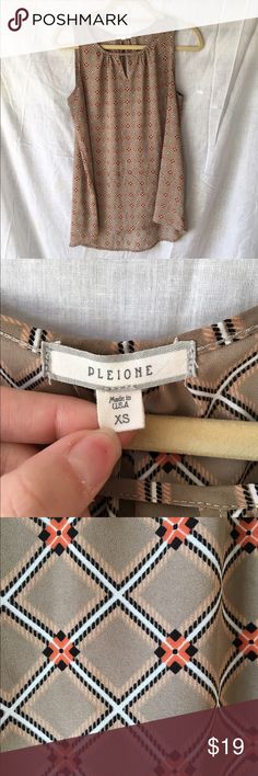 Printed Pleione top Nordstrom brand. Super cute print. Barely worn, in great condition! Pleione Tops Blouses