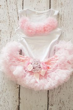 Girls first birthday Outfit Pink Skirt por PoshPeanutKids