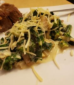 I recently went to a restaurant that had a size dish of creamed collards. I tried to recreate this but with only keto ingredients. Mushroom And Onions, Creamy Mushrooms, Stuffed Mushrooms, Stuffed Peppers, Grass Fed Butter, Collard Greens, Side Dishes, Garlic, Mise En Place
