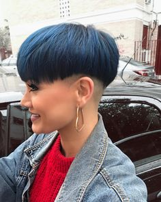 20 Pixie Haircuts for Round Faces Winter Special - Styles Art Funky Short Hair, Short Hair Cuts, Short Hair Styles, Pixie Haircut For Round Faces, Round Face Haircuts, Chica Punk, Buzz Cut Women, Bowl Haircuts, Girls Short Haircuts