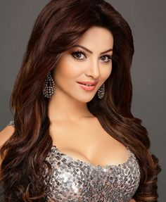 Urvashi Rautela Upcoming Movies List 2019 & Release Dates - MT Wiki Providing Latest Bollywood Actress Urvashi Rautela All upcoming New films list 2018 with Poster, Actress, Actors & other lead star cast. Beautiful Indian Actress, Beautiful Actresses, Beautiful Gorgeous, Celebs, Celebrities, India Beauty, Actress Photos, Belle Photo, Bollywood Actress