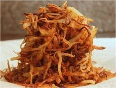 Röstzwiebeln – Selbstgemachte Röstzwiebeln schmecken einfach besser und passen… Roasted Onions – Homemade fried onions just taste better and fit with many main dishes or as a side dish with vegetables. Roasted Onions, Roasted Salmon, Fried Onions, Healthy Burger Recipes, Healthy Grilling, Grilling Recipes, Marinated Grilled Shrimp, Best Homemade Burgers, Grilled Turkey Burgers