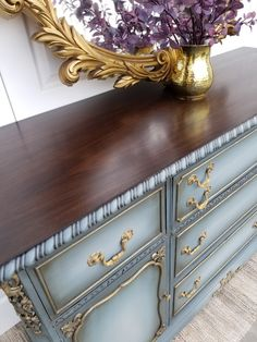 How to Blend on a Buffet I came back right after glazing, once it had dried to the touch, and added gold gilding wax. I applied the gilding wax with a. Refurbished Furniture, Repurposed Furniture, Shabby Chic Furniture, Furniture Makeover, Vintage Furniture, Vintage Dressers, Furniture Projects, Wood Furniture, Bedroom Furniture