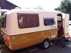 Diy Caravan, Caravan Vintage, Vintage Caravans, Retro Vintage, Boler Trailer, Camper Trailers, Eriba Puck, Teardrop Caravan, Gmc Motorhome