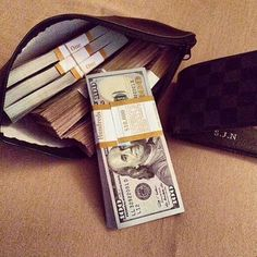 Using the Law of Attraction in Getting More Wealth Make Money From Home, Make Money Online, How To Make Money, Er 5, Money Stacks, Gold Money, Billionaire Lifestyle, The Villain, Extra Money